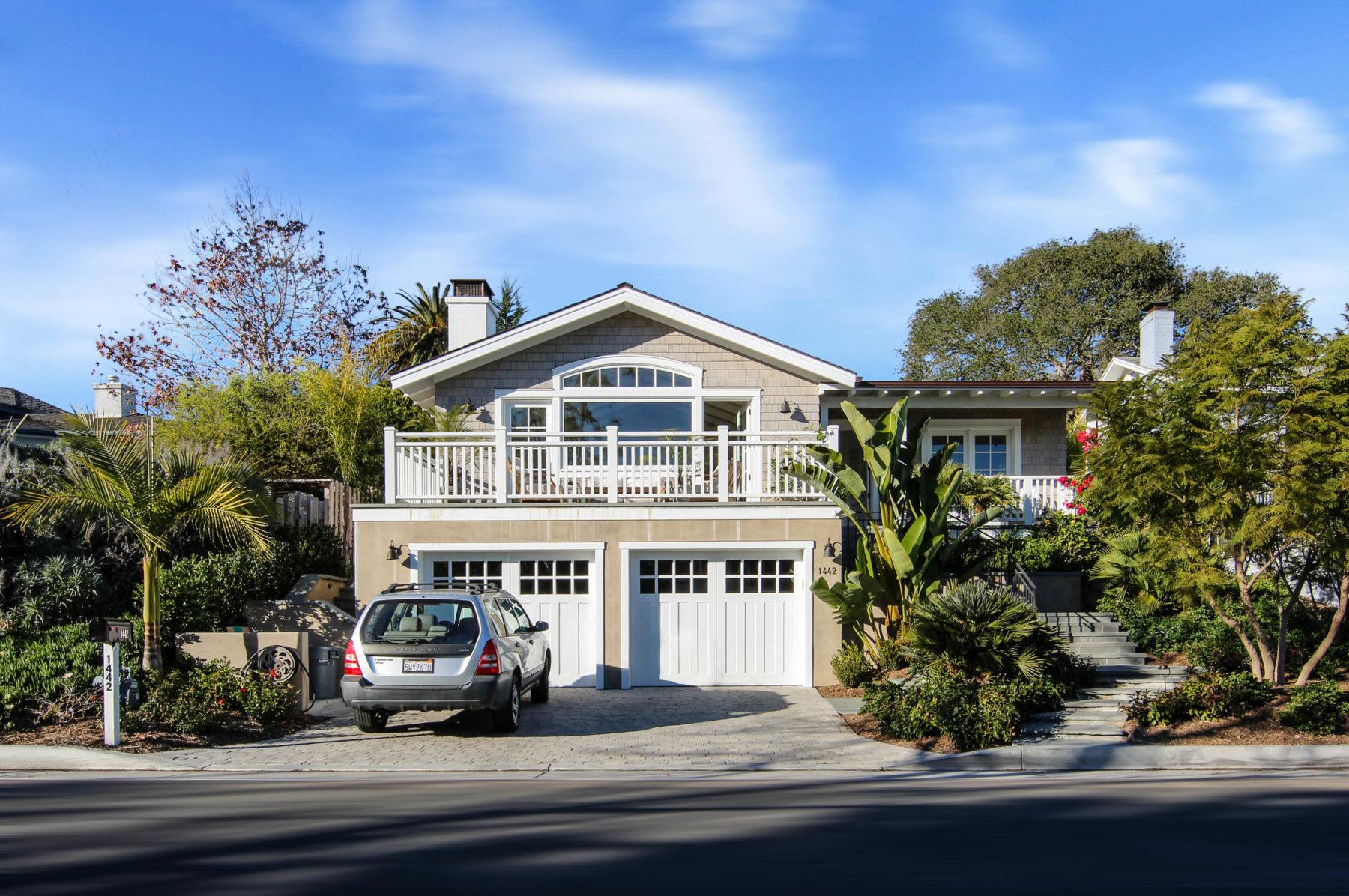 Coastal Craftsmans Residence